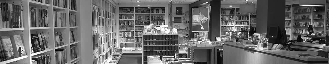 de winkelingang van Boekhandel de Schuilplaats